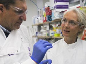 Golden partnership to advance UQ cancer test